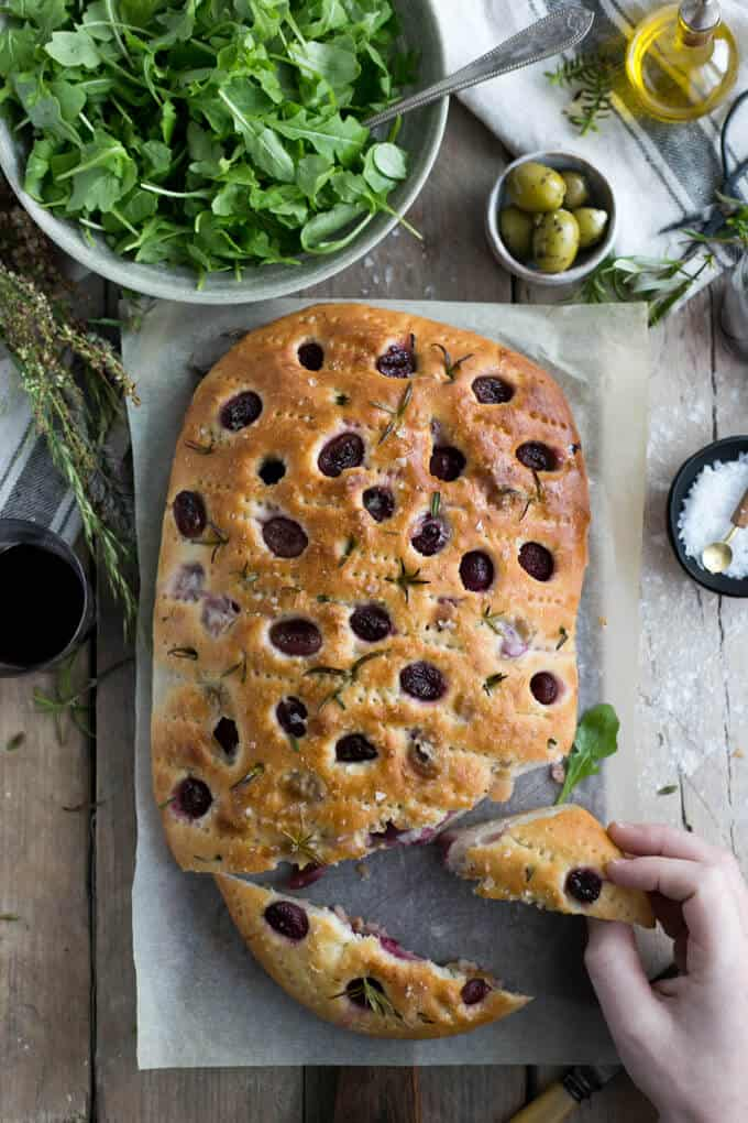 Traditional focaccia bread with rosemary and red grapes | via @annabanana.co