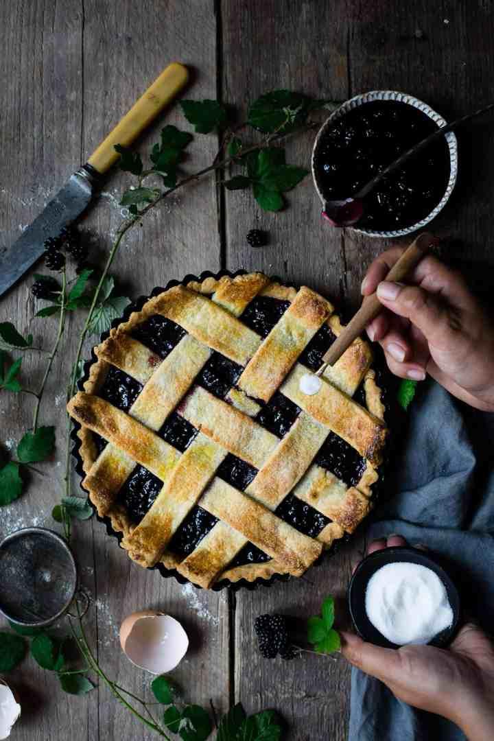 Blackberry jam tart with lattice topping | via @annabanana.co
