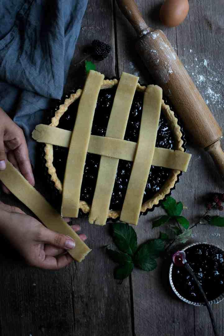 Homemade blackberry jam lattice tart | via @annabanana.co