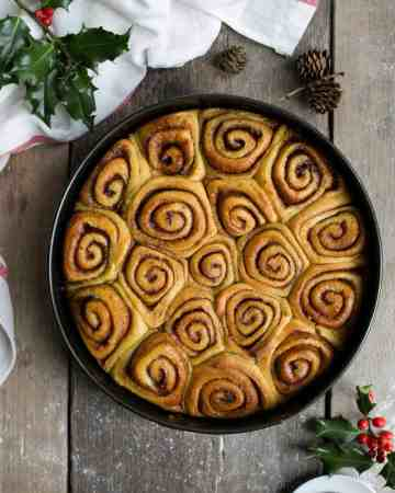 Vegan sweet potato cinnamon rolls. Super soft and fluffy! #vegan #cinnamonrolls #recipe | via @annabanana.co