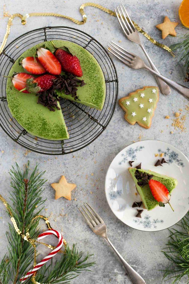Matcha and ginger cheesecake, velvety smooth and creamy texture, super easy to make! #cheesecake #vegan #matcha | via @annabanana.co