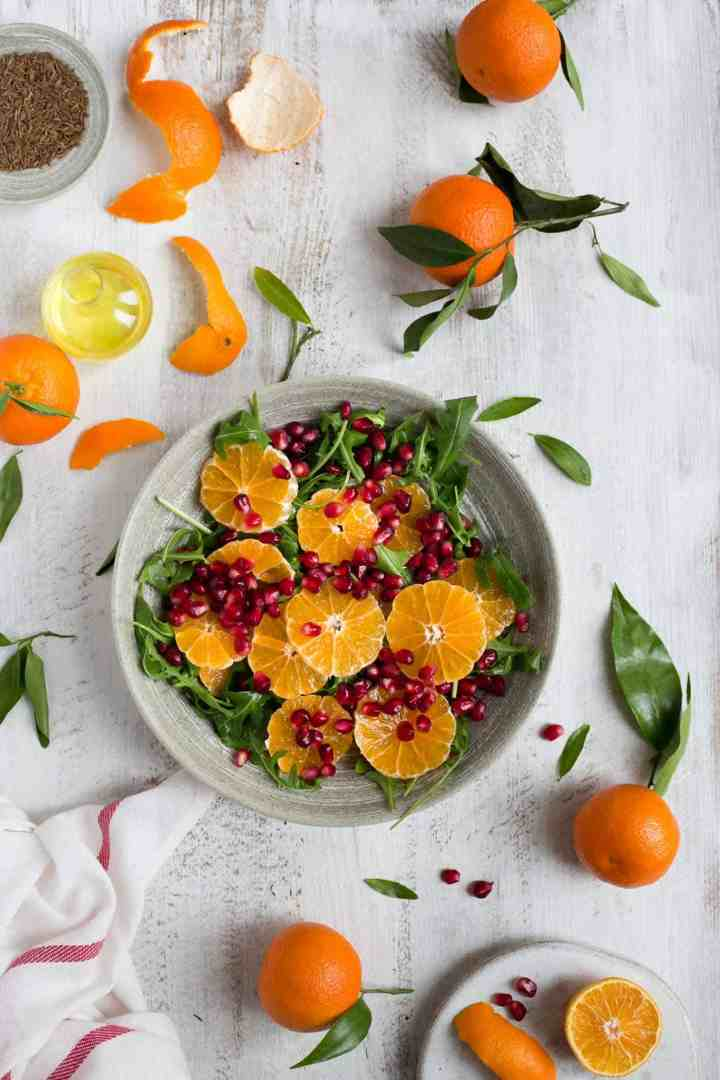 Avocado and clementine salad with pomegranate and tangy dressing #vegan #dairyfree #healthy | via @annabanana.co