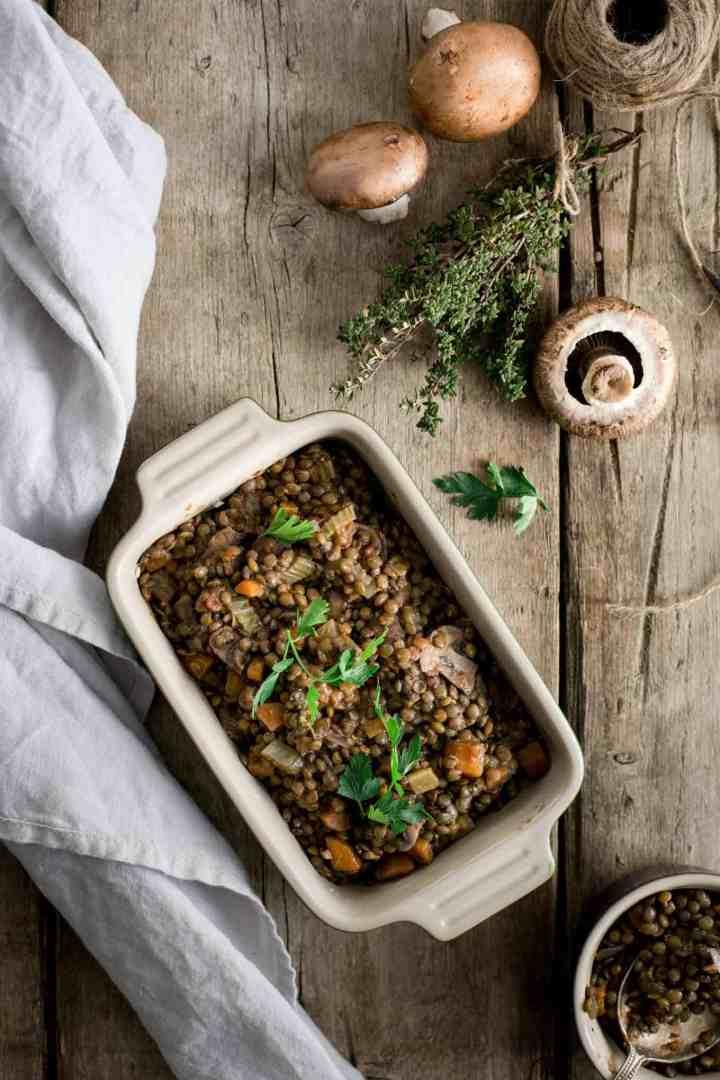 #Vegan lentil shepherd's pie. The all-time favourite for the whole family! #veggiepie #shepherdspie | via @annabanana.co