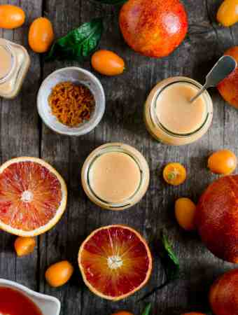 Quick and easy vegan blood orange curd recipe #dairyfree #vegan #curd | via @annabanana.co