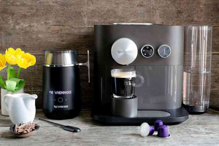 Nespresso Expert and Nespresso Barista recipe maker #coffeerecipe #coffee | via @annabanana.co