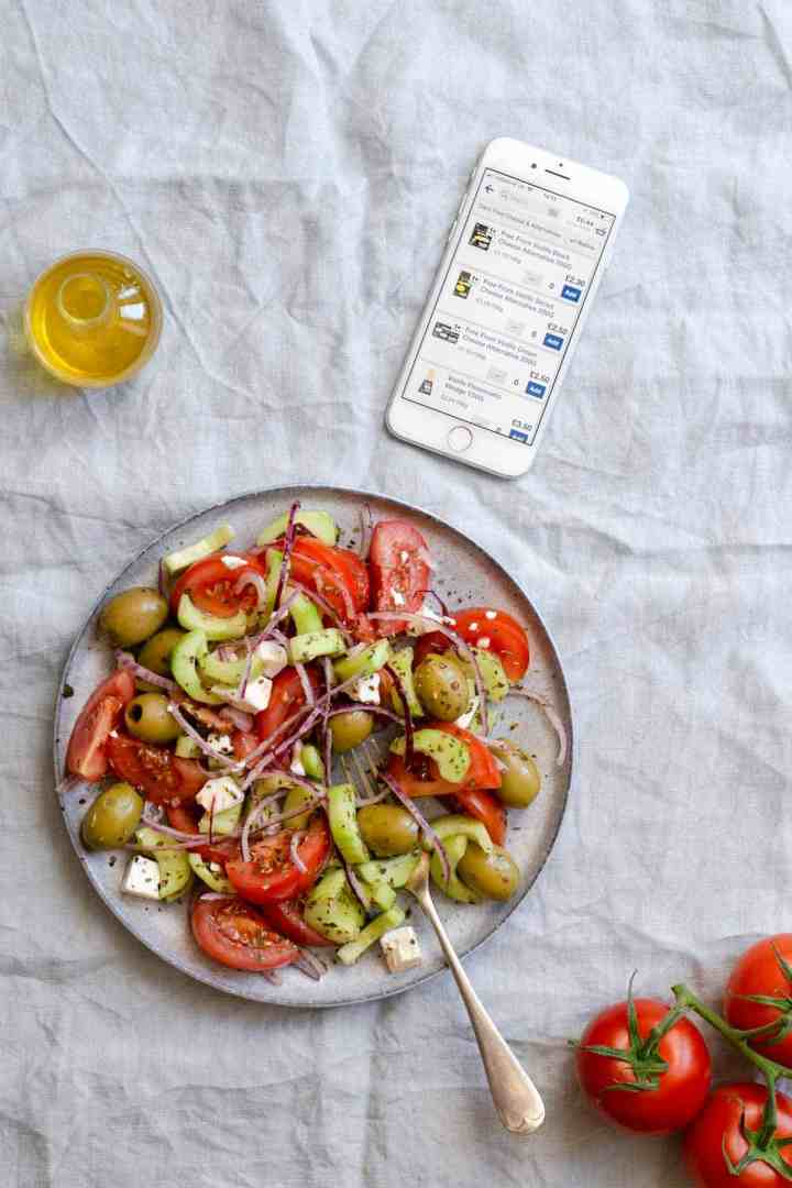 Easy Greek salad, made with 7 simple ingredients, fuss free meal for any day! #saladrecipe #healthysalad #vegetarianrecipe | via @annabanana.co