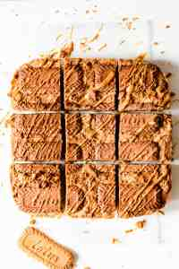 overhead shot of speculoos blondies cut into 9 equal square slices