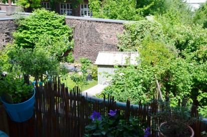 Balkon Nachbargarten - annablogie