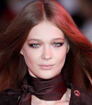 A ciascuna il suo make up: i colori giusti per valorizzare una capigliatura rosso fredda