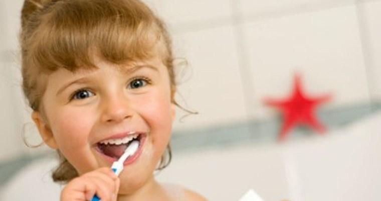 Cómo prevenir las caries desde bebés