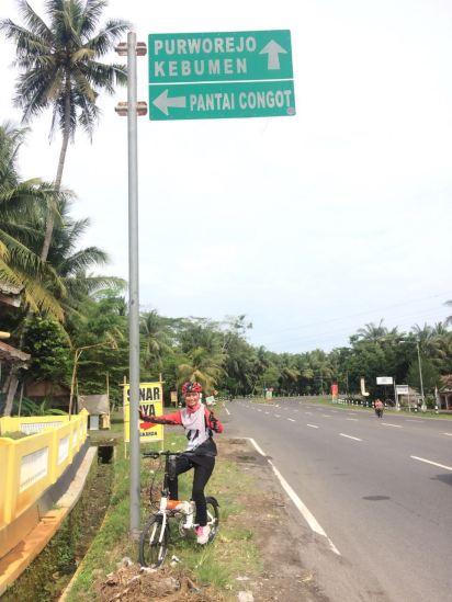 Di suatu persimpangan menuju Purworejo