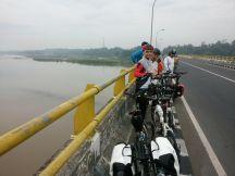 Di jembatan Srandakan