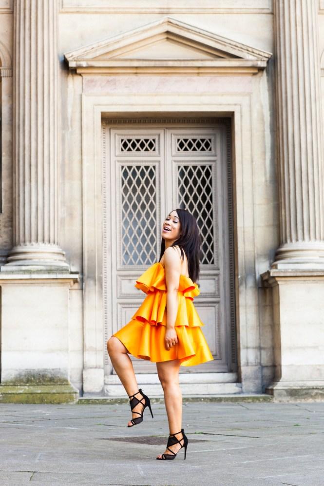 robe orange à volants