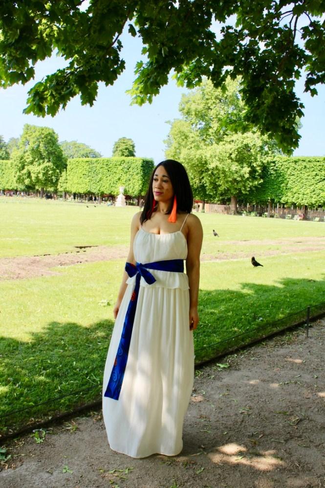 robe blanche et ceinture en wax
