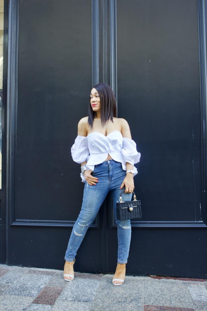 inspo look top blanc jeans destroy