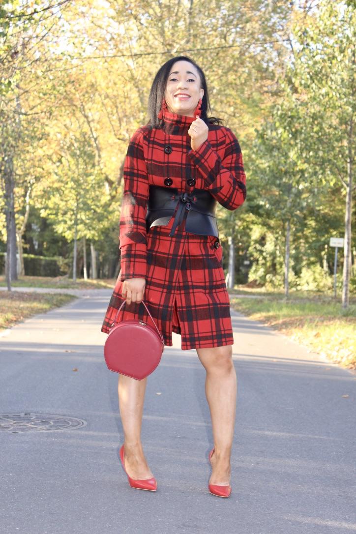 manteau carreaux et ceinture à basques