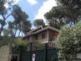 Villa confiscata via Kenia, cancello