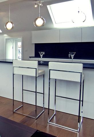 A 2-bed apartment in Bayswater - Breakfast bar - ©Anna Hansson Design Ltd