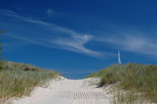 beach-2372042_1920
