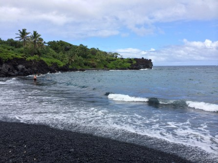 Black sand beach at Waianapanapa state park