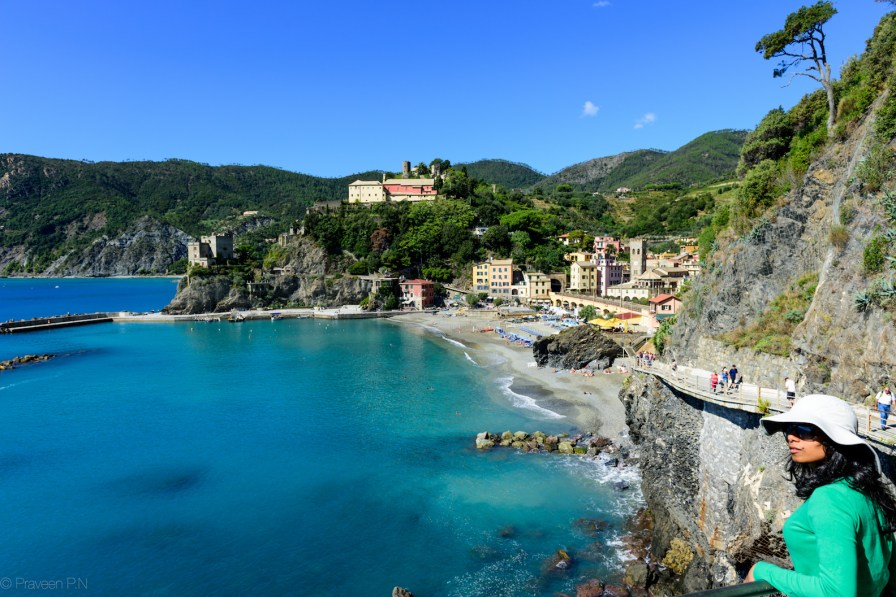 Blue path from Monterosso