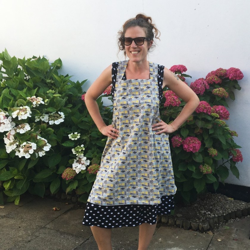 Tessuti cross back apron in Whats Cookin' retro quilting cotton