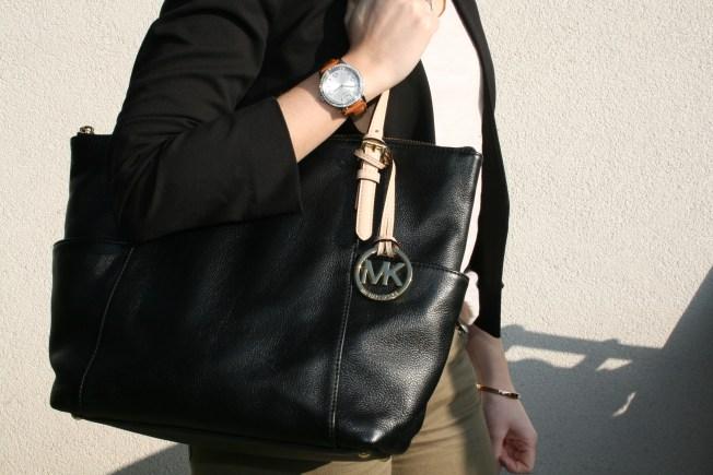 Outfit Black Green Tasche Sonnenbrille