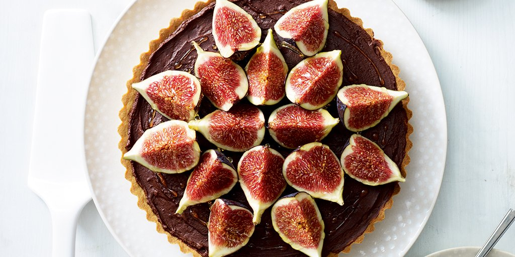 Dark chocolate fig tart