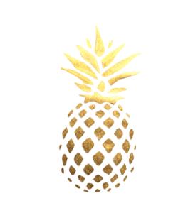 goldene Ananas auf weißem Hintergrund