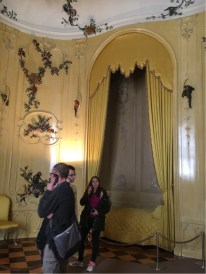 Sanssouci - Guests Room with bed alcove, and including a room with a chamber pot and a servant's room. (3)
