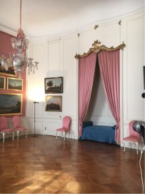 Sanssouci - Guests Room with bed alcove, and including a room with a chamber pot and a servant's room. (2)
