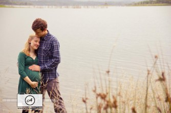 Brisbane Maternity Photographer Lake Samsonvale Anna Osetroff
