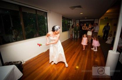 BrisbaneWeddingPhotographer_WalkaboutCreekWedding_AnnaOsetroff-110