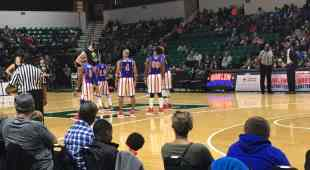 Harlem Globetrotters - Cager is HUGE