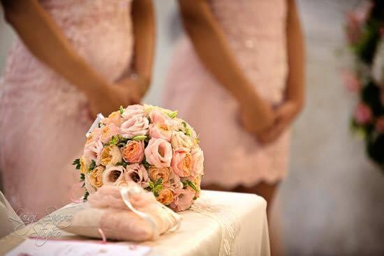 Matrimonio Tema Rosa Cipria : Un matrimonio romantico in grigio e rosa cipria