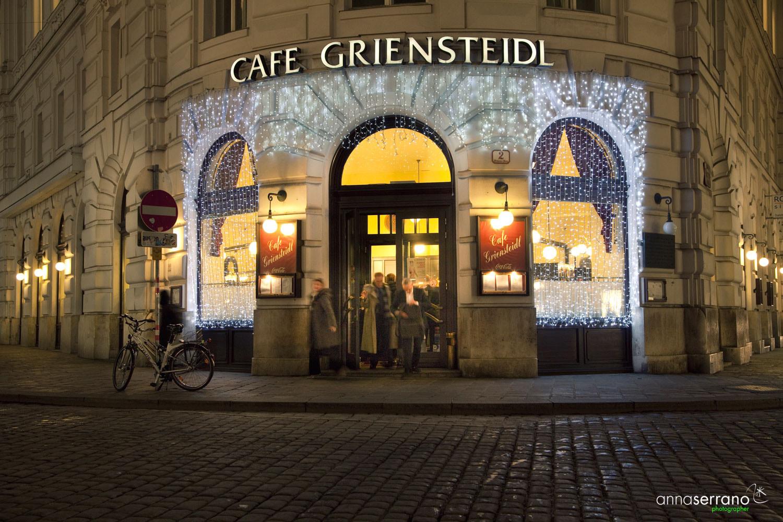 Austria, Vienna, Christmas, Cafe Griensteidl