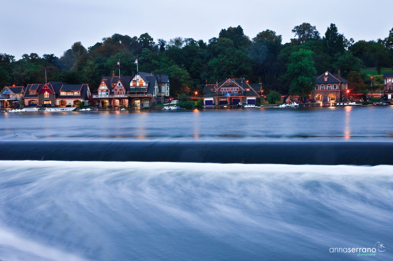 USA, Pennsylvania, Philadelphia, Boathouse Row, Schuylkill River