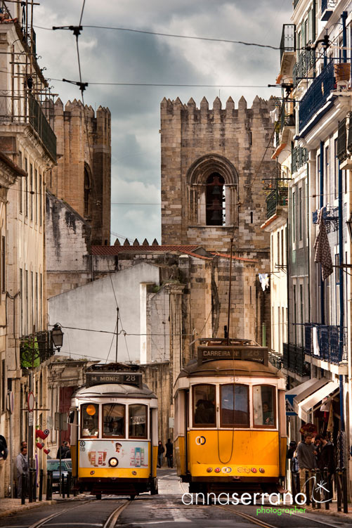 Portugal, Lisbon, Lisboa, Se, Cathedral in Alfama neighbourhood and tramway