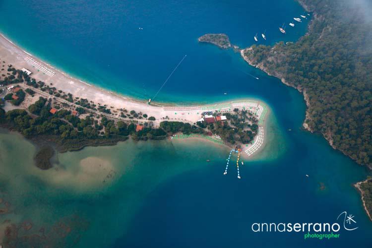 Turkey, Mediterranean Region, Mugla, Oludeniz, Paragliding