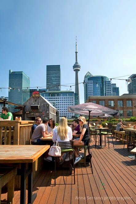 Toronto, The Porch