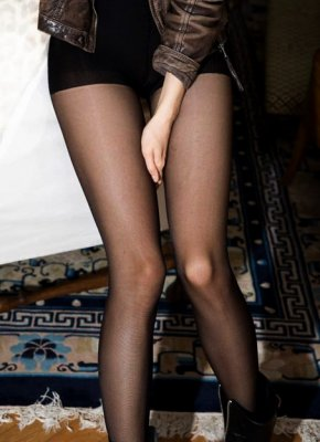sweish_stockings_anna