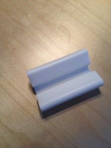Sonja Gustafsson, till vardags undersköterska på Södersjukhuset, uppfann den här fiffiga skyddsutrustningen för navelsträngsprov.