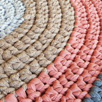 טכניקה בסיסית לסריגה במסרגה אחת של שטיח מחוטי טריקו