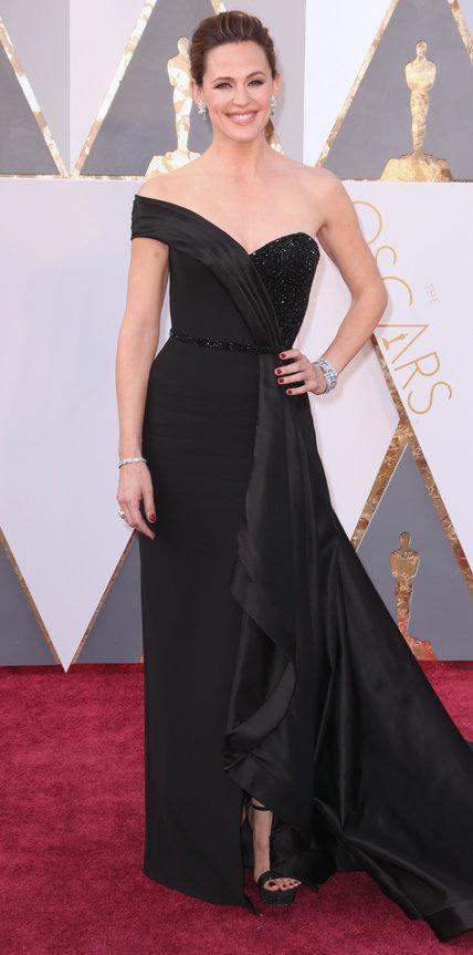 Jennifer Garner, abito Atelier Versace, gioielli Neil Lane