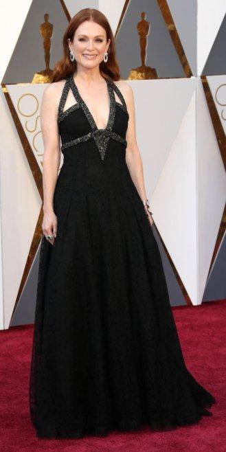 Julianne Moore, abito Chanel Couture, gioielli Chopard