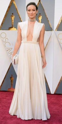 Olivia Wilde, abito Valentino Haute Couture, gioielli Neil lane, Clutch Roger Vivier