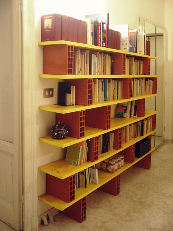 Libreria con Mattoni  anna vecchi