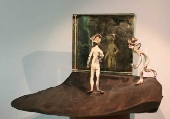 L'adolescence 2010 émail sur cuivre, terre, miroir.