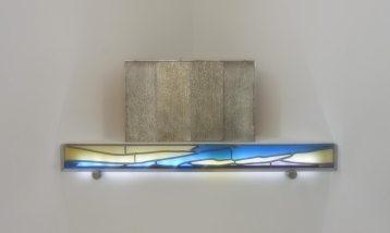 Mise en valeur du tabernacle vitrail plomb.