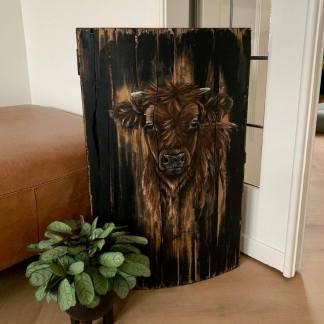 Schilderij schotse hooglander op hout kist deksel kalfje
